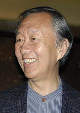 چارلز ک. کائو، متولد 1933، چین (شهروند آمریکا و انگلیس)