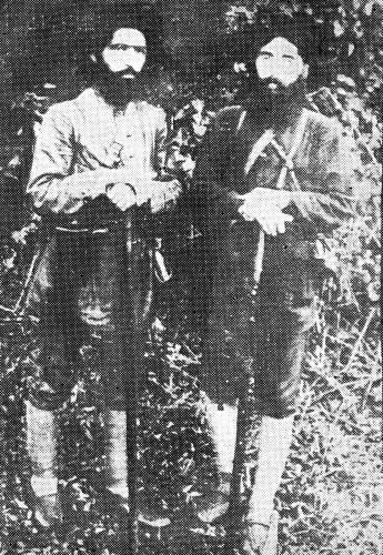 دکتر سیدعبدالکریم کاشی (راست) و دکتر ابراهیم حشمت