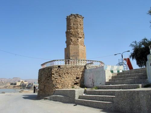 برج کوچکی که در کنار بند میزان ساخته شده و قدمت آن به دورهی ساسانی برمیگردد. عملکرد این برج دقیقاً مشخص نیست.