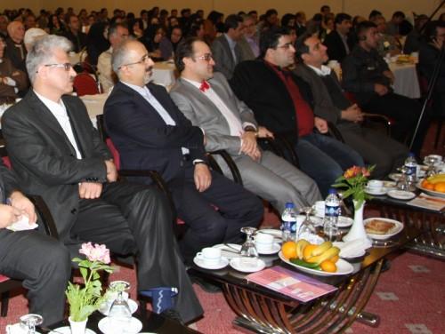 مجمع عمومی انجمن پزشکان عمومی شیراز 1390، از چپ: دکتر فتحی، دکتر فرقان، دکتر قسمتیزاده، دکتر جوزی، دکتر طهماسبیپور